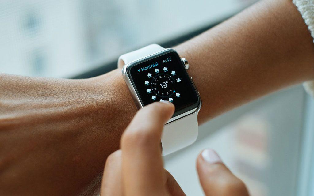 Apple Watch Outranks Key Watchmaker Rolex