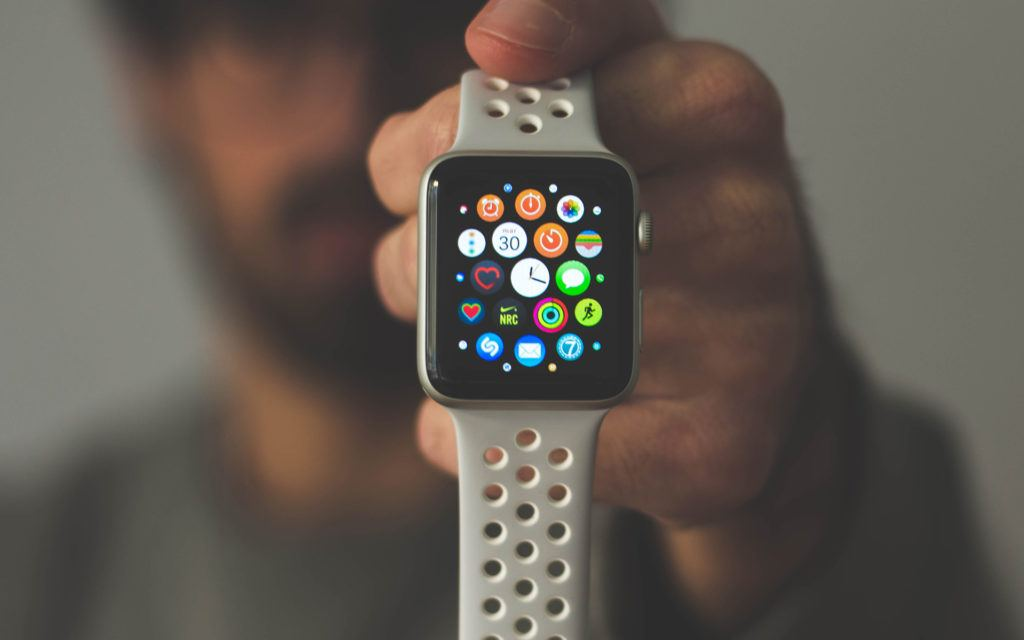 Apple patent hints at color-changing watch band